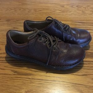 Womens Cabelas Size 8m Brown Leather Shoes EUC